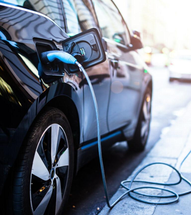 charging-car-01